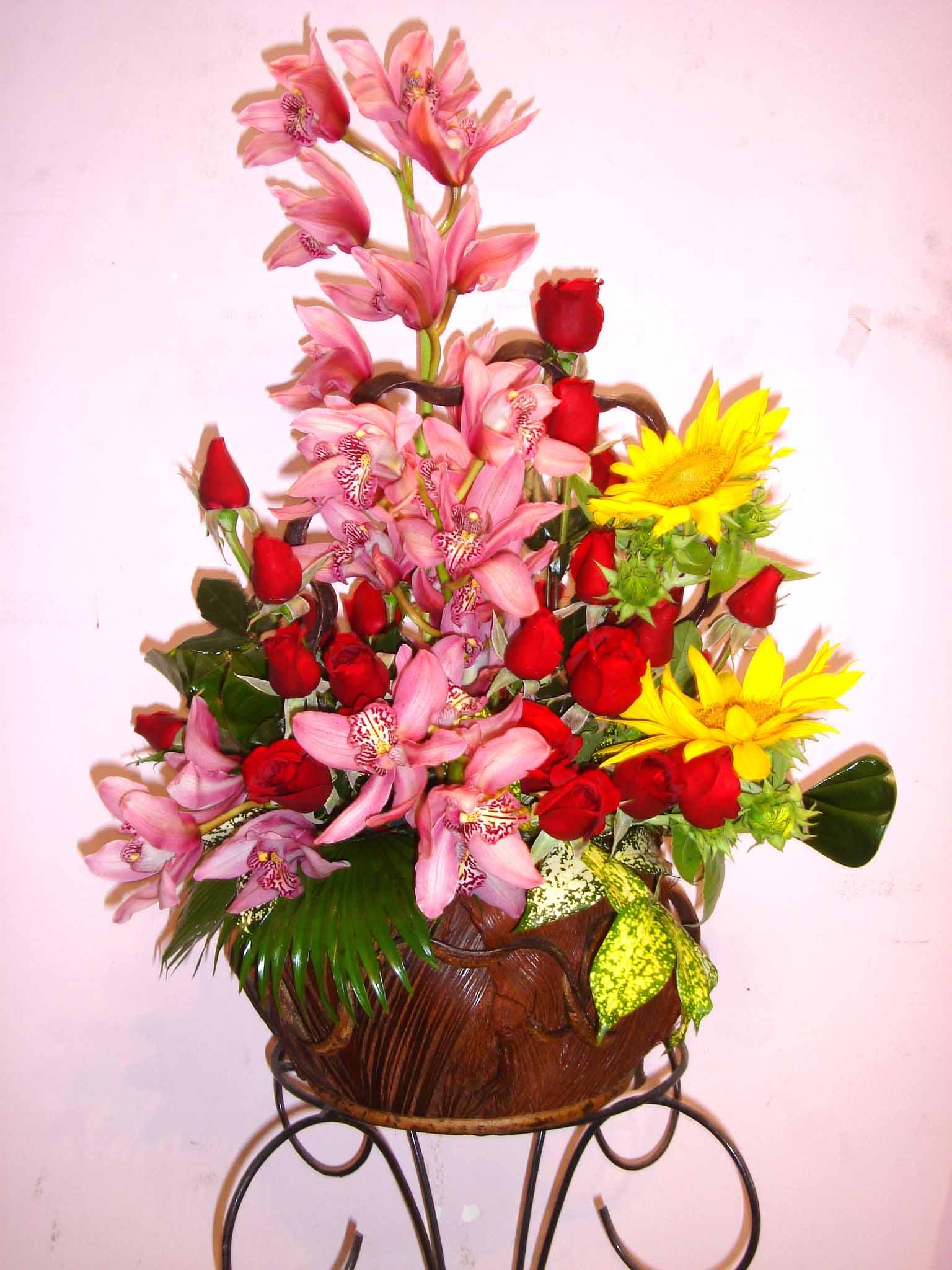 Một số cách cắm hoa tươi cơ bản 8