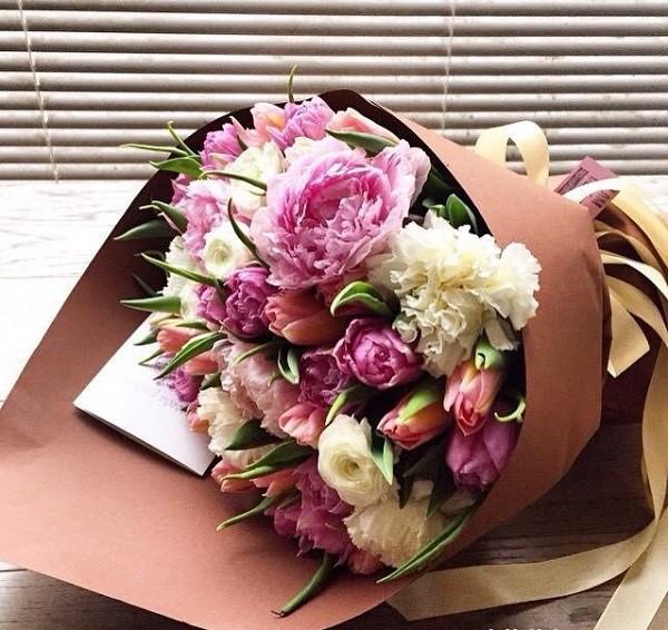 Tặng hoa cẩm chướng 1