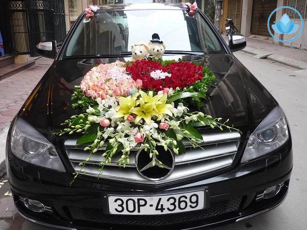 Trang trí xe hoa kết hợp phụ kiện xinh xắn dễ thương 1