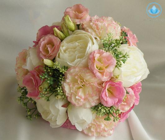 Ý nghĩa sâu xa đằng sau bó hoa cưới cầm tay cho cô dâu 3