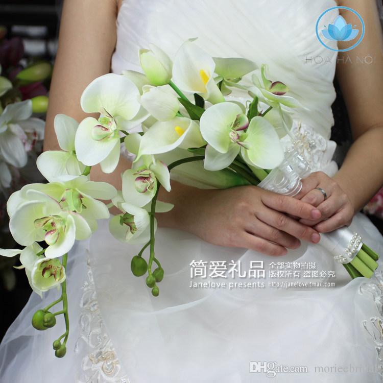Hoa cưới cầm tay với những bông hoa dài 2